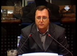 Agron Berisha dëshmon për vrasjen e 49 personave në Suharekë më 26 mars 1999. (ICTY TV, 25.02.2002.)