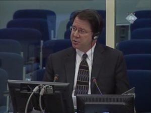 Edvard Flin / Edward Flynn na sveočenju u Hagu (ICTY TV, 2008)