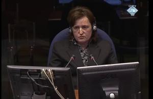 Fedrije Džafa (Xhafa) svedoči o napadu na konvoj izbeglica kod Vučitrna 02.05.1999. (ICTY TV, 01.04.2009.)