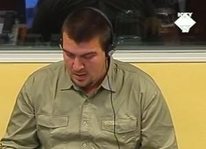 Neven Šegarić opisuje fotografije iz Škabrnjena suđenju Milanu Martiću (ICTY TV - 2006)