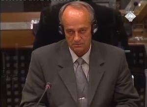 Ramiz Mujkić svedoči o posledicama granatiranja sela Ahatovići 1992. (ICTY TV, 03.11.2004.)