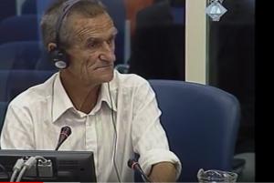 Ahmo Hasić tokom svedočenja u Hagu (ICTY TV - 07.09.2006.)