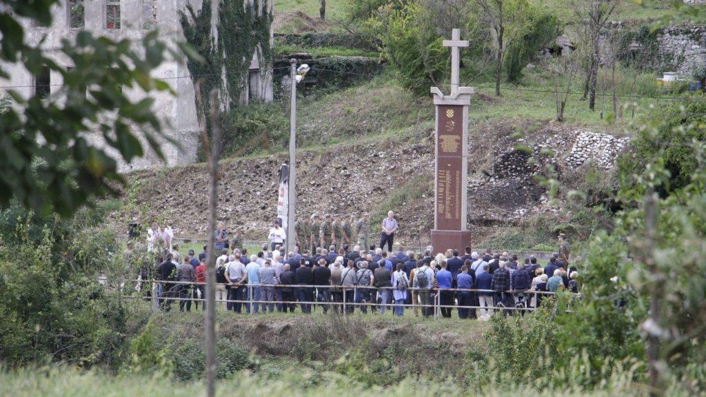 Përkujtimore për viktimat e masakrës së Grabovicës. Foto: Denis Kapetanovic