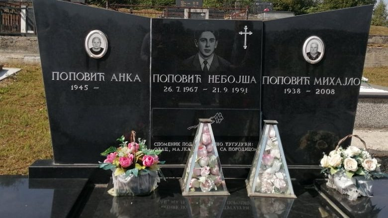 The grave of Nebojša Vladimirović, one of the killed soldiers. Photo: Aneta Vladimirov.