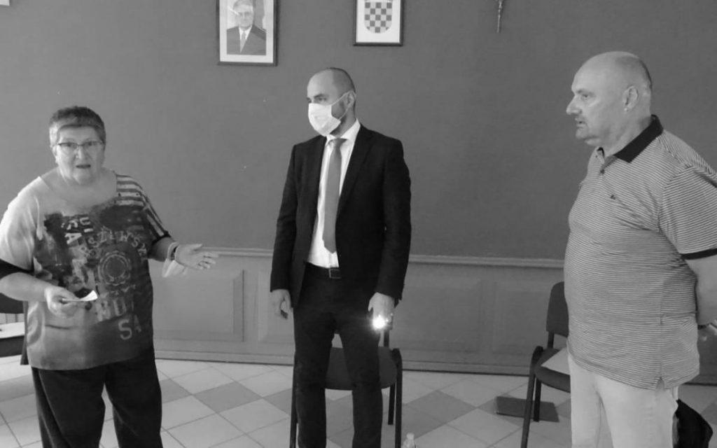 Potpredsjednik Vlade Hrvatske Boris Milošević s organizatorima konferencije. Foto: Nenad Jovanović